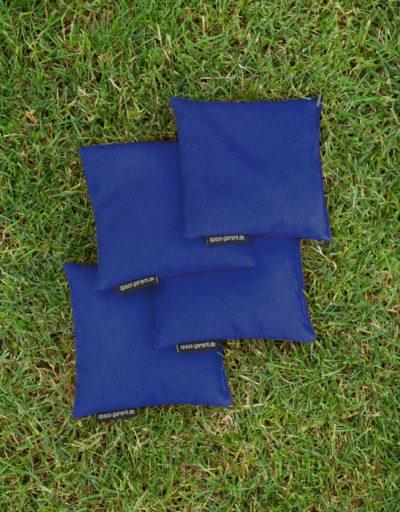 Vier Cornhole-Wurfsäckchen in blau spass-garant.de